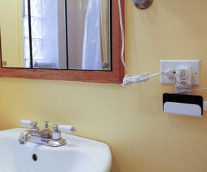 Англичанин использовал заряжающийся iPhone в ванной и погиб