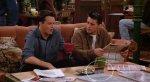 СМИ объяснили вечно свободный столик в кофейне из сериала «Друзья». - Изображение 2