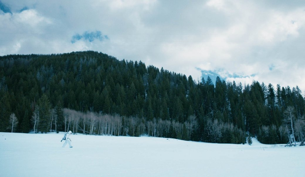 Убийца — снег. Рецензия на «Ветреную Реку» с Джереми Реннером. - Изображение 2