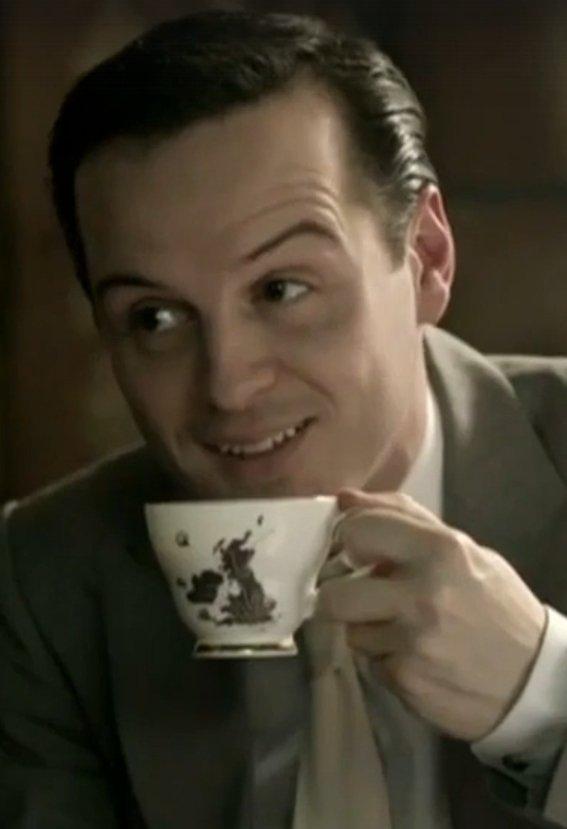 Почему миссис Хадсон— главный злодей «Шерлока». - Изображение 9