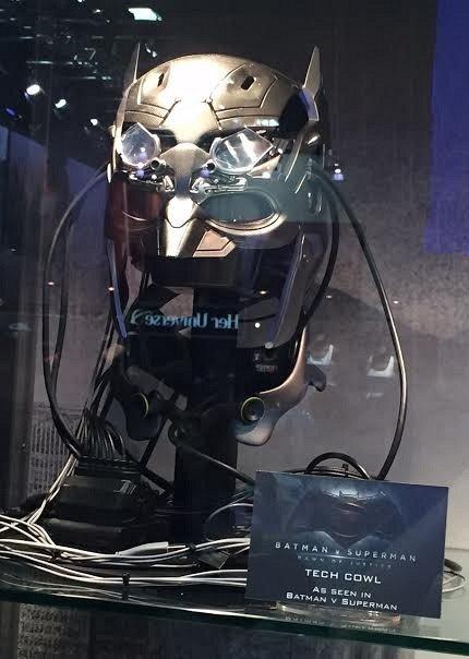 Костюмы, гаджеты и фигурки Бэтмена на Comic-Con 2015 - Изображение 15