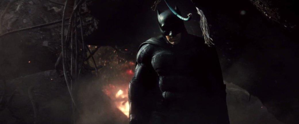 Костюмы, гаджеты и фигурки Бэтмена на Comic-Con 2015 - Изображение 28