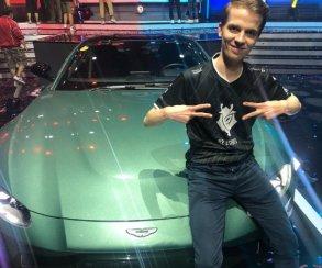 Киберспортсмен отказался от выигранного автомобиля марки «Астон Мартин» в пользу денег