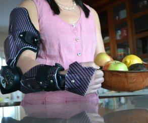 Как игры учат людей управлять «роботизированной» рукой