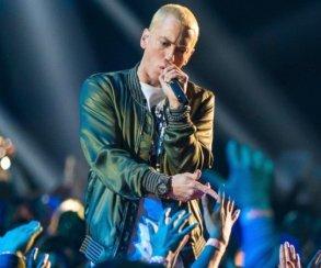 Eminem выпустил ремикс трека Chloraseptic, вкотором посылает всех критиков Walk OnWater
