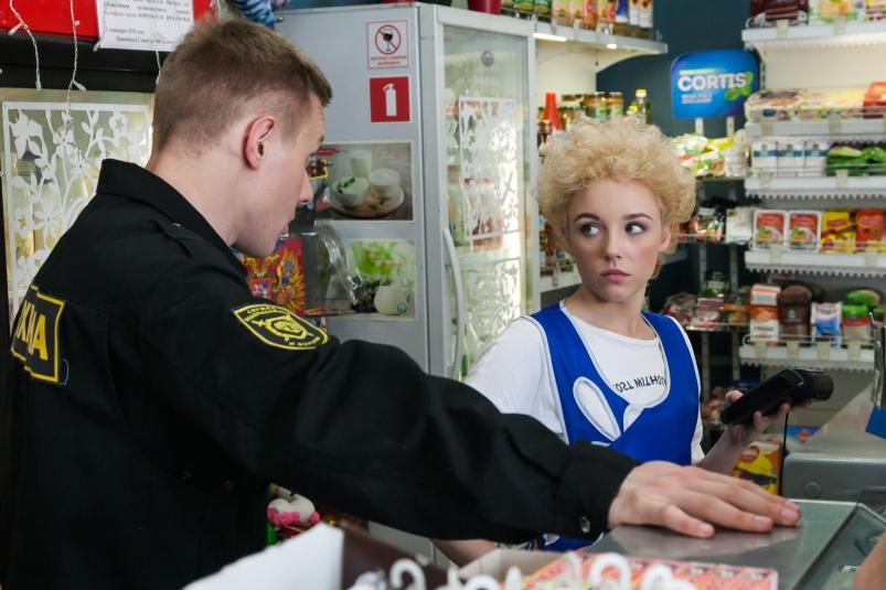 Мнение опервых сериях «Патриота»— новой комедии ТНТ о бывшем спецназовце в маленьком городе | Канобу - Изображение 328