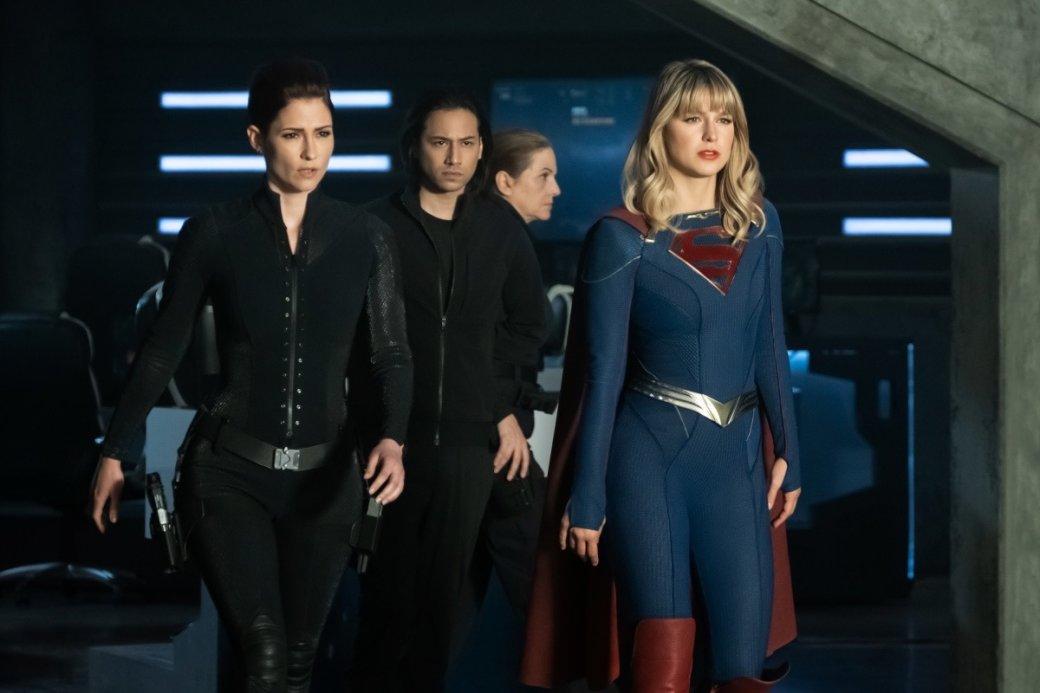 Супергерои собрались вместе на новых кадрах из «Кризиса на Бесконечных Землях»   Канобу - Изображение 4175