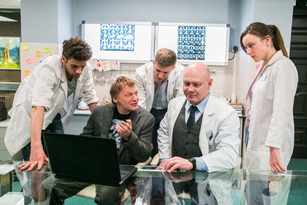 3 причины посмотреть сериал «Доктор Рихтер» (русский «Хаус») | Канобу - Изображение 1