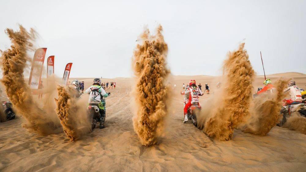 «Арабская ночь, горячий песок»: любимые автомобильные развлечения Ближнего Востока