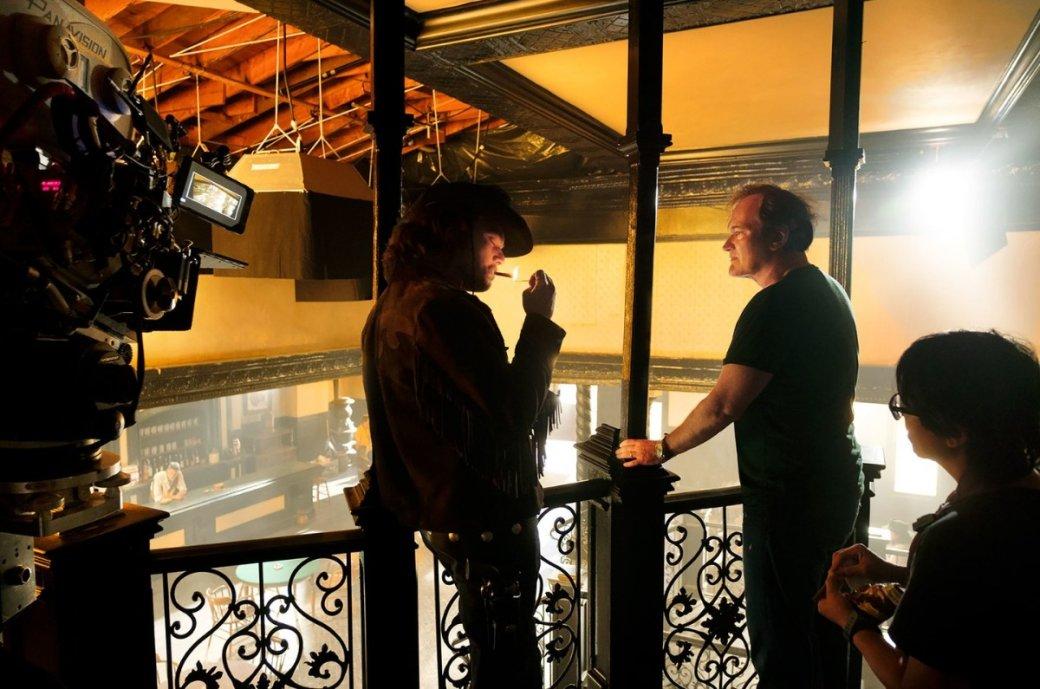 Марго Робби, Леонардо ДиКаприо идругие звезды нановых фото фильма Тарантино «Однажды вГолливуде» | Канобу - Изображение 9