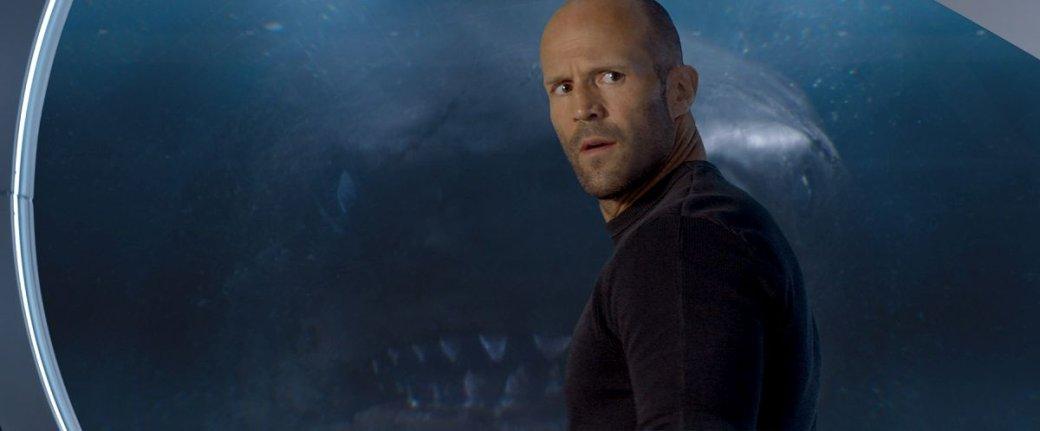 Гигантская акула-убийца против лысины Джейсона Стэйтема нановых кадрах фильма «Мег: Монстр глубины» | Канобу - Изображение 1355