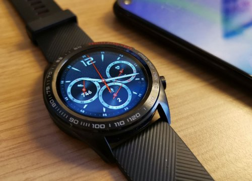 Huawei представила в России фитнес-трекер Honor Band 4 Running и смарт-часы Honor Watch Magic