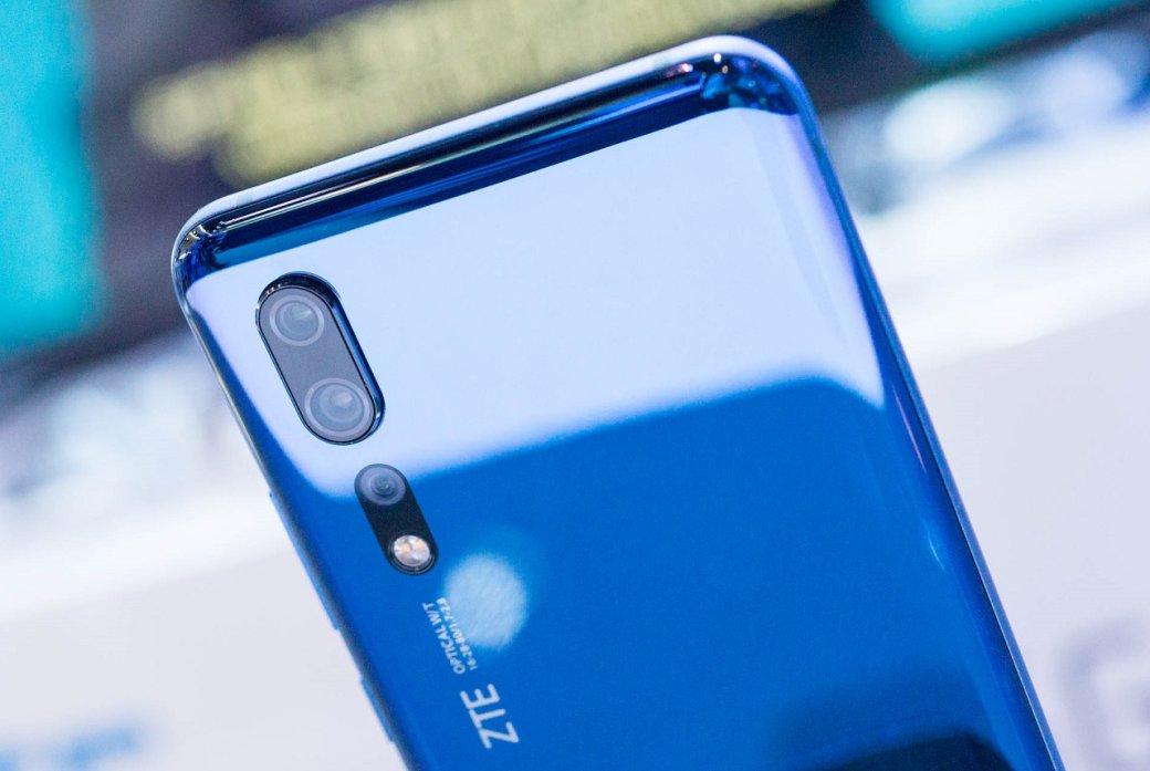 MWC 2019: ZTE показала 5G-флагман Axon10 Pro ипремиум-смартфон Blade V10 | Канобу - Изображение 19649